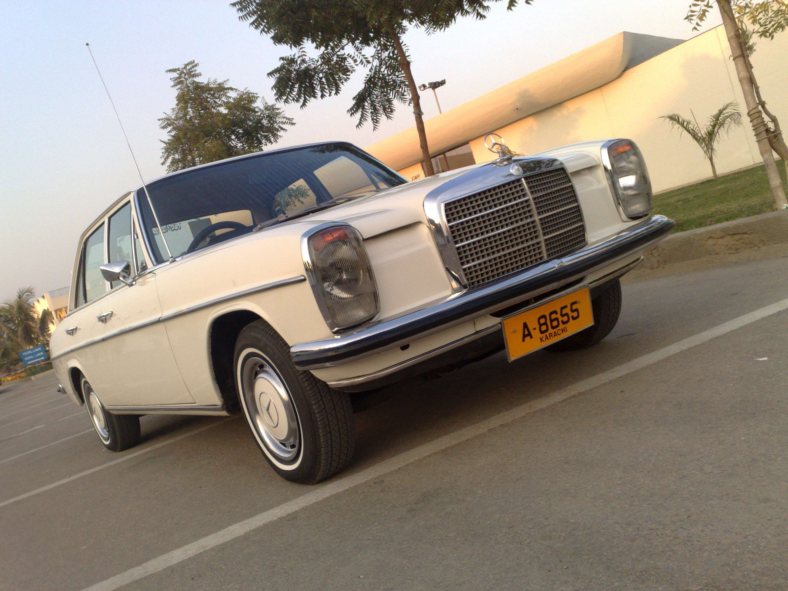 Mercedes benz e class 1972 of ykkocorp member ride 5211 for Mercedes benz membership