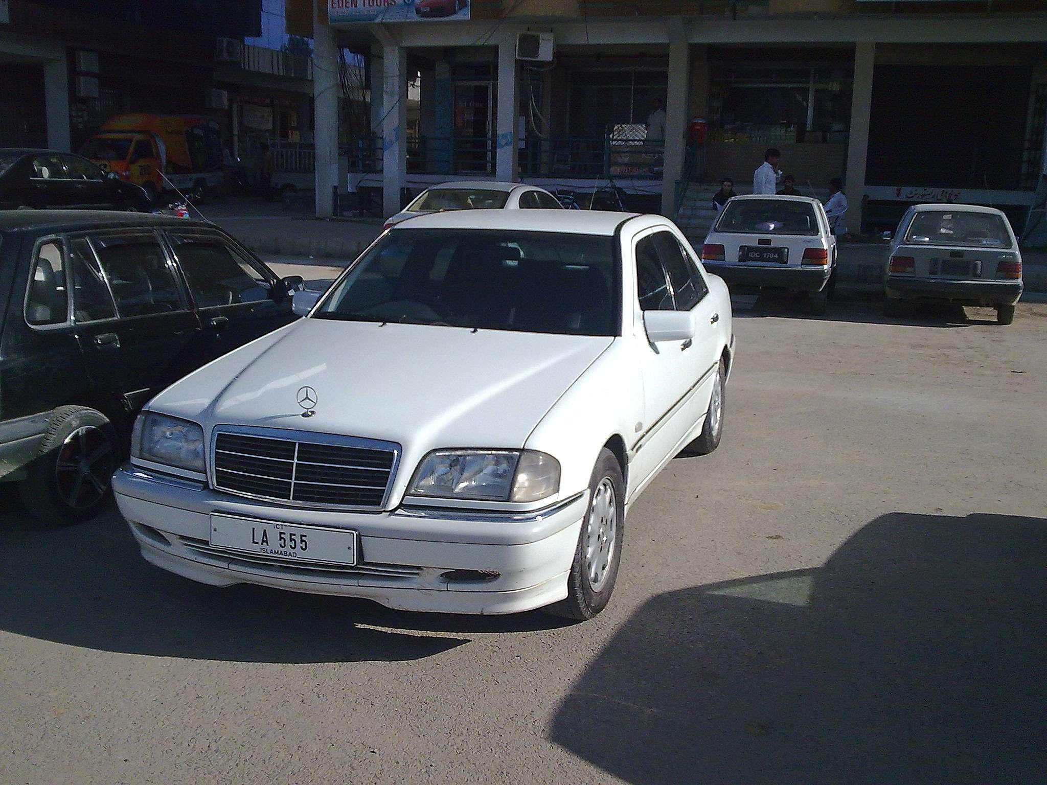 Mercedes benz c class 1998 of shoeblodhi member ride for Mercedes benz c class 1998