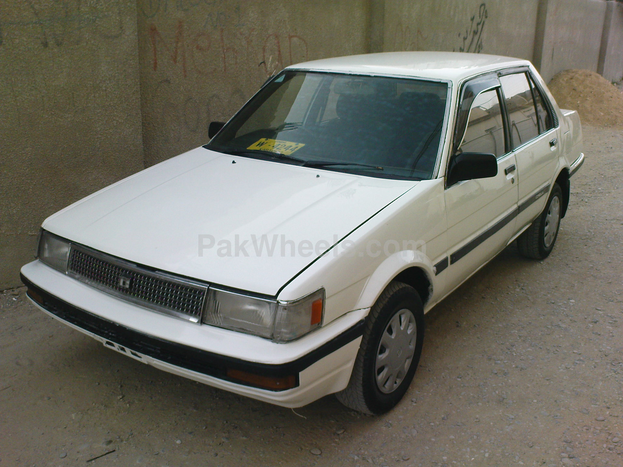 used toyota corolla 1986 car for sale in karachi 107870 pakwheels. Black Bedroom Furniture Sets. Home Design Ideas