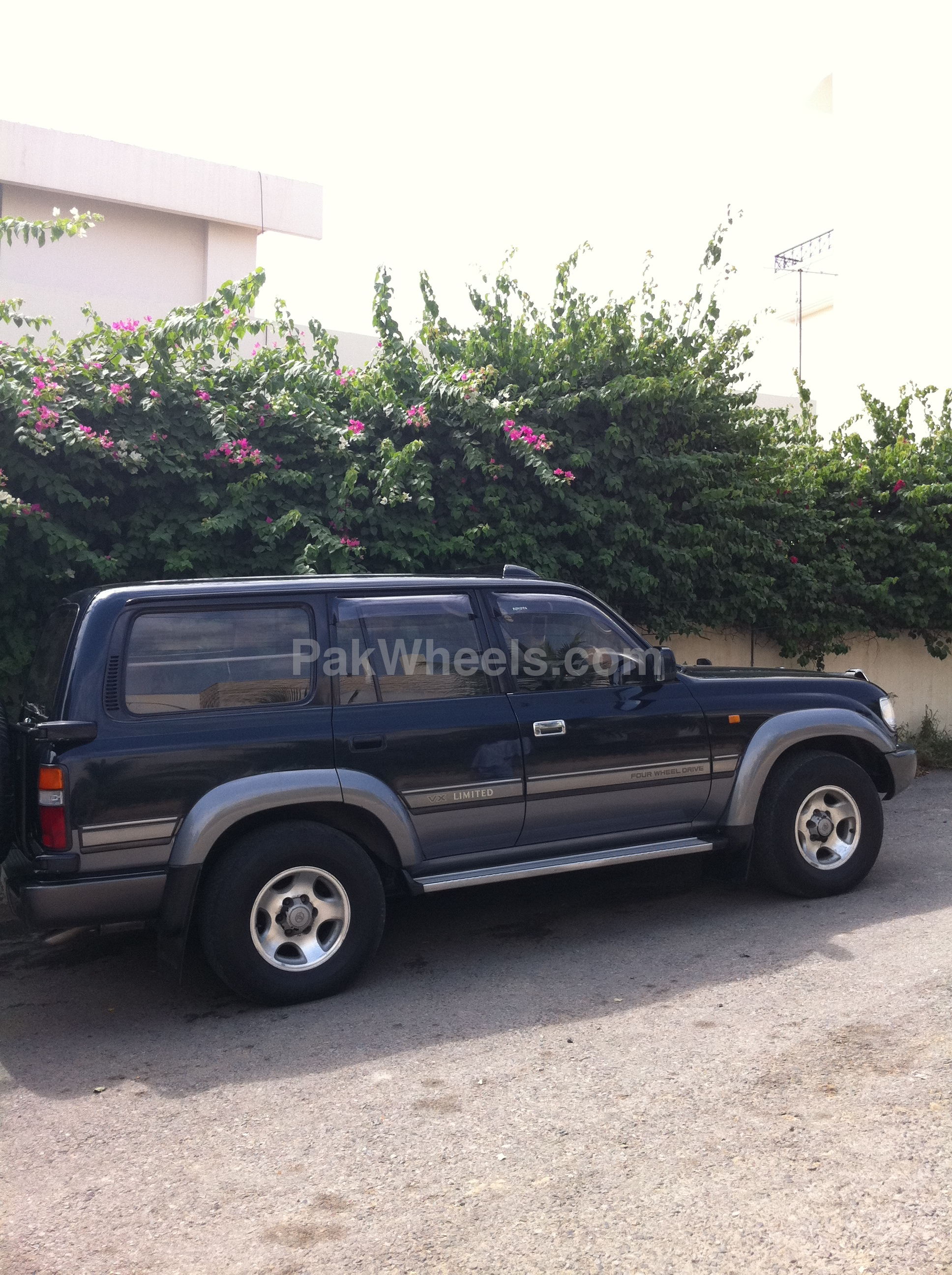 toyota land cruiser gx 1996 for sale in karachi pakwheels. Black Bedroom Furniture Sets. Home Design Ideas