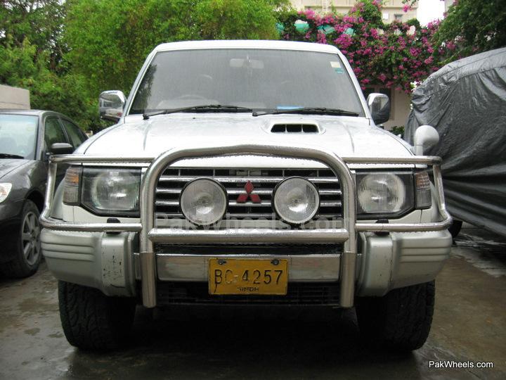 Mitsubishi Pajero - 1993 Libra Image-1