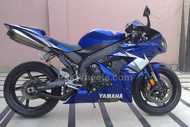 Yamaha YZF-R1 - 2005 Vesper Image-1