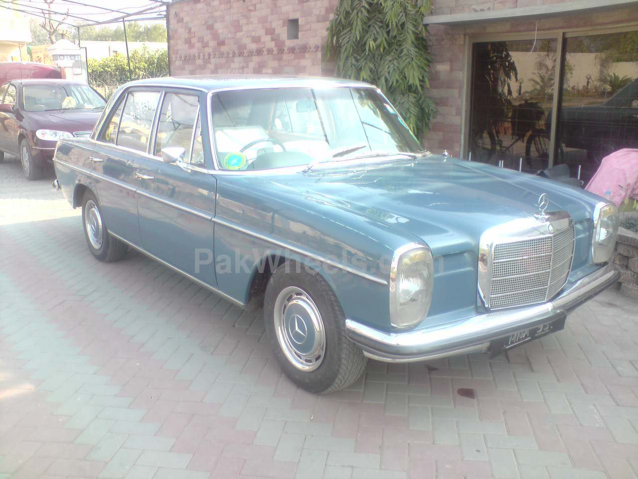 Mercedes Benz E Class - 1969 benz Image-1