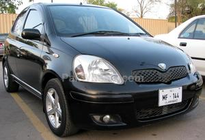 Toyota Vitz - 2003