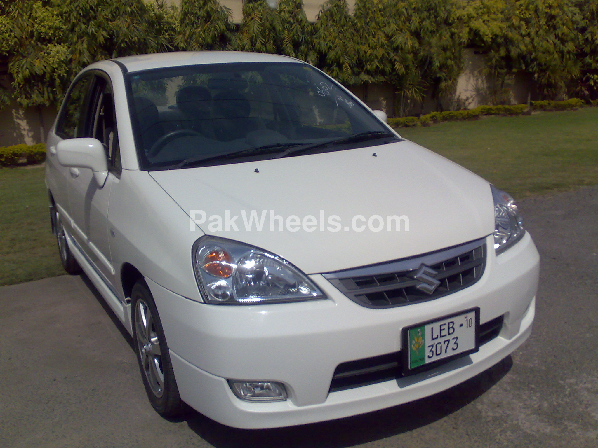 suzuki liana 2010 for sale in lahore pakwheels. Black Bedroom Furniture Sets. Home Design Ideas