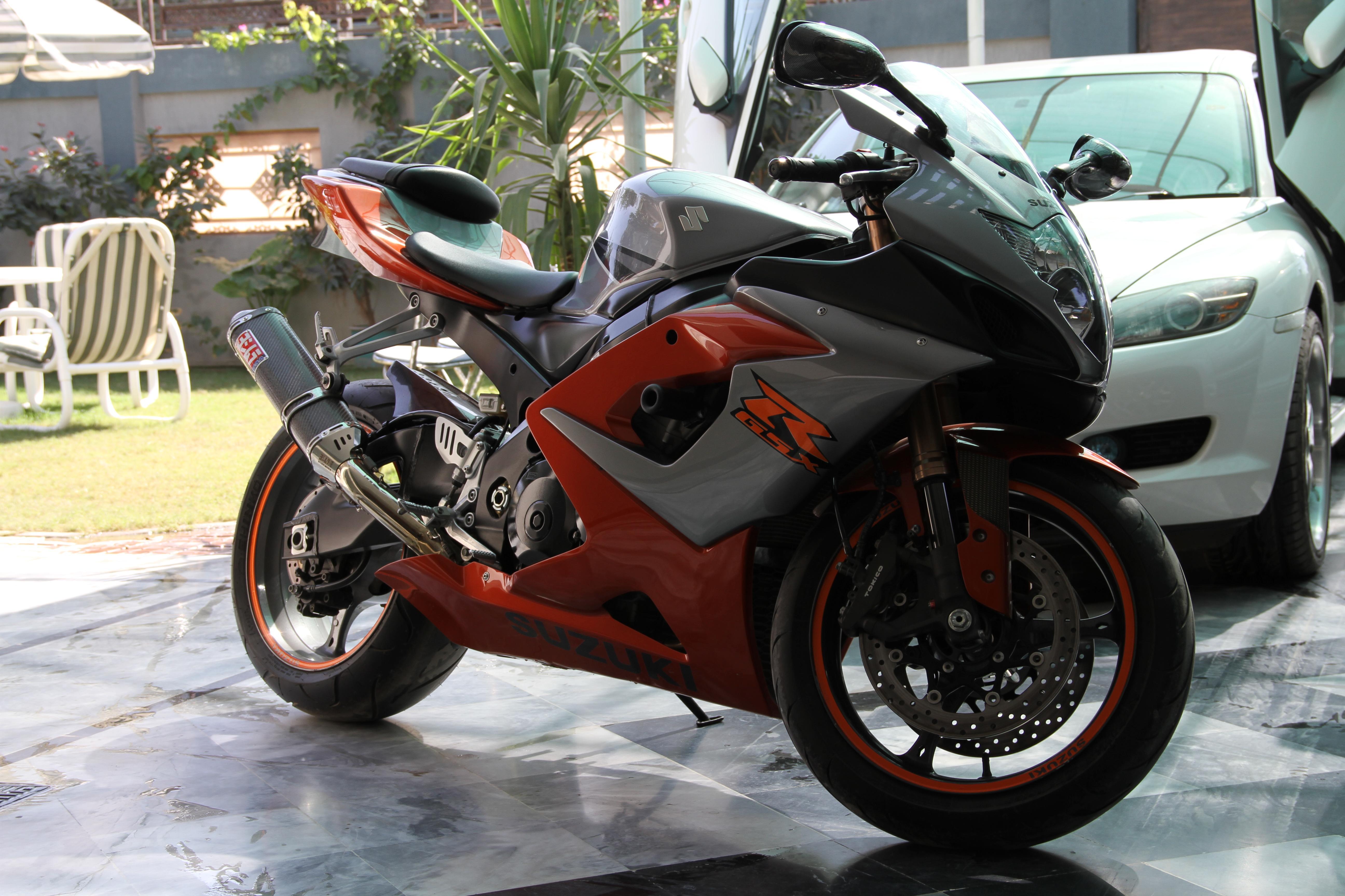 Suzuki GSX-R1000 - 2006 Quicky Image-1
