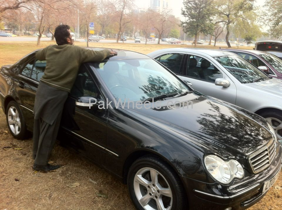 mercedes benz c class c200 2006 for sale in islamabad pakwheels. Black Bedroom Furniture Sets. Home Design Ideas
