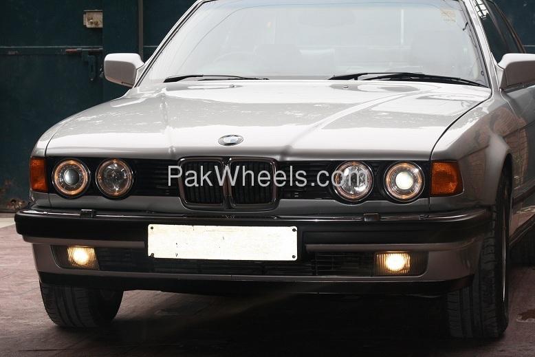 BMW 7 Series - 1991 Bimmer Image-1