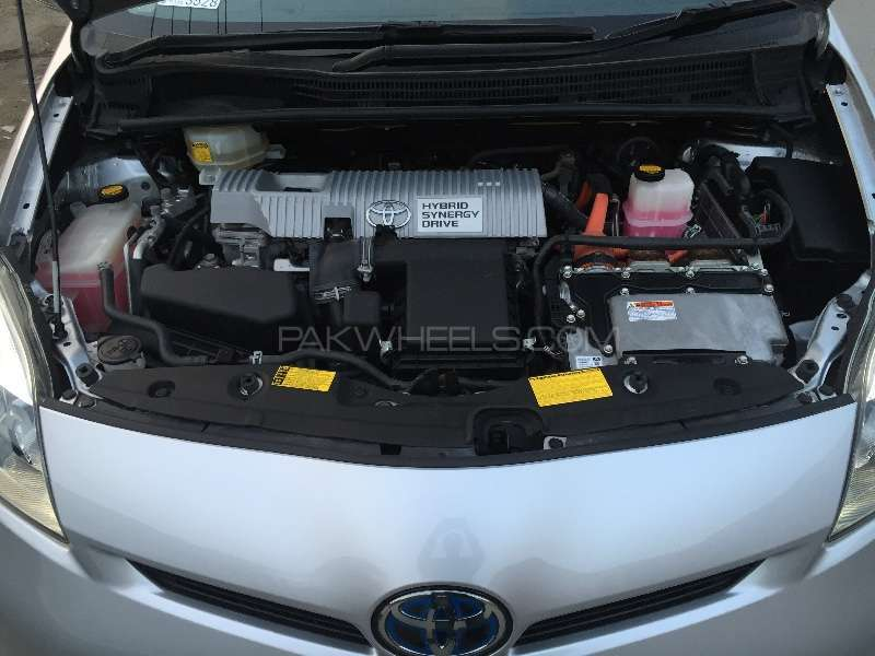 Toyota Prius G Touring Selection Leather Package 1.8 2012 Image-15