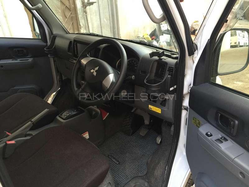 Mitsubishi Minicab Bravo 2010 Image-4