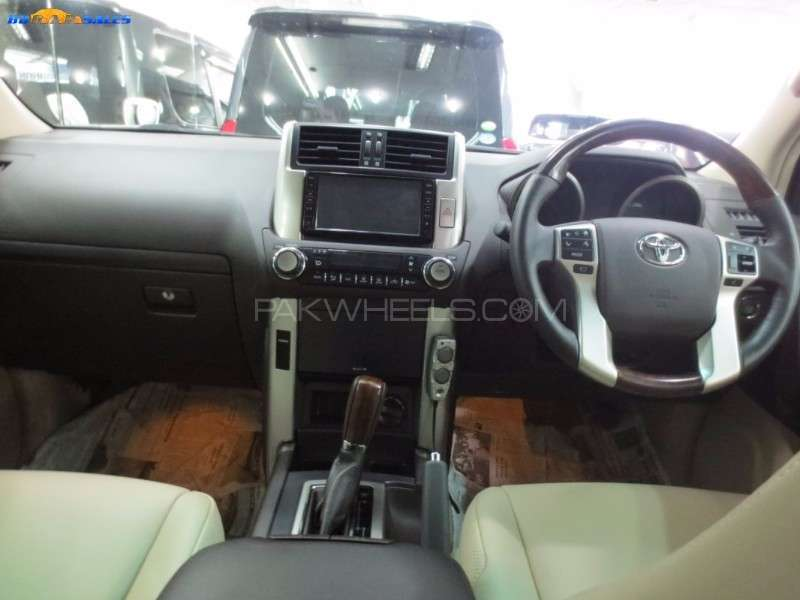 Toyota Prado TX Limited 2.7 2014 Image-3