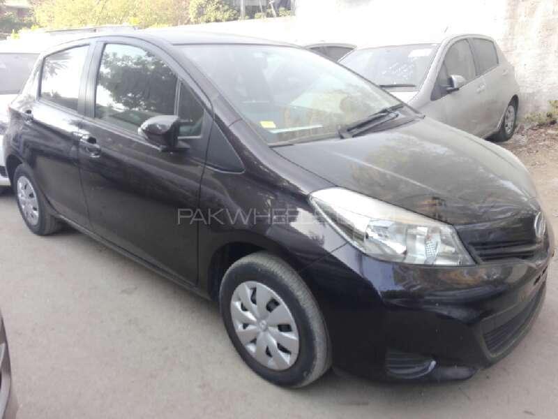 Toyota Vitz FL 1.0 2013 Image-2