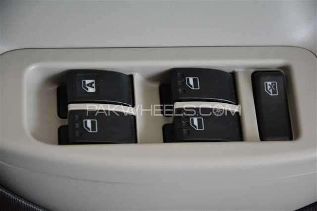 Toyota Passo + Hana 1.0 2012 Image-9
