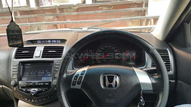Honda Accord CL9 2003 Image-3