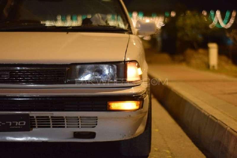 Toyota Corolla SE Saloon 1990 Image-3