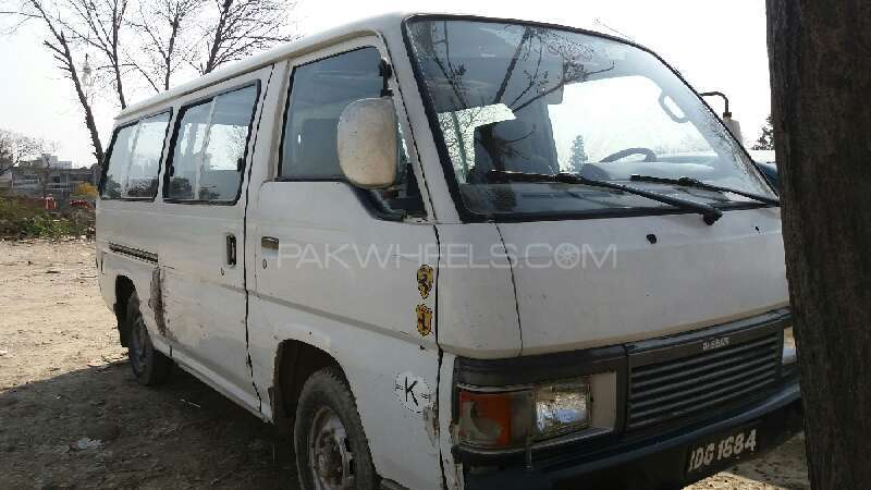 Nissan Caravan 1984 Image-1