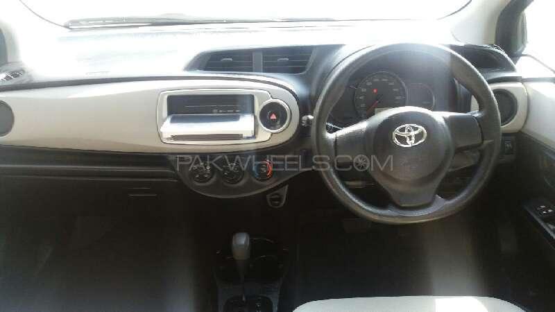 Toyota Vitz 2013 Image-6
