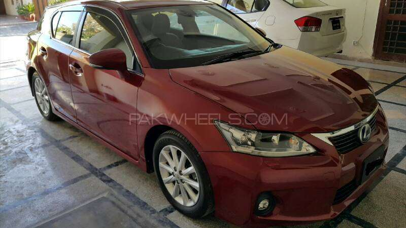 lexus ct200h version l 2012 for sale in islamabad pakwheels. Black Bedroom Furniture Sets. Home Design Ideas