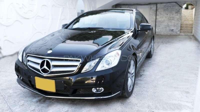 mercedes benz e class coupe e 200 2010 for sale in karachi. Black Bedroom Furniture Sets. Home Design Ideas