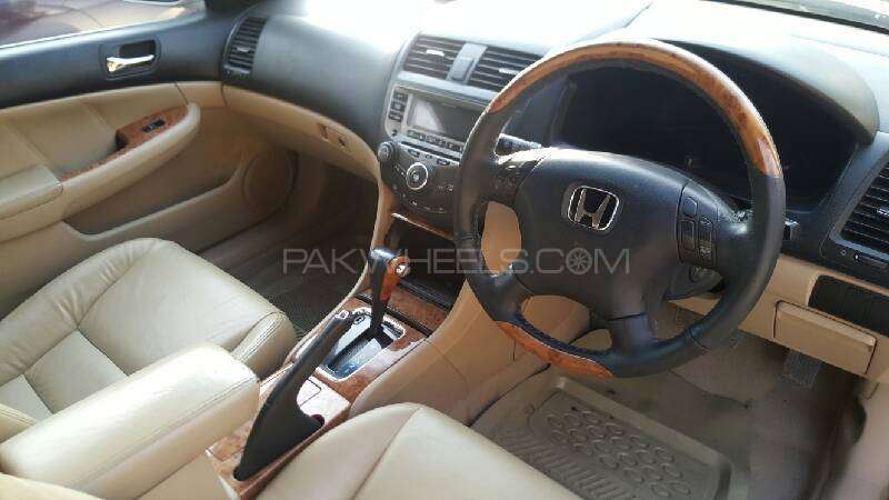 Honda Accord VTi 2.4 2006 Image-7