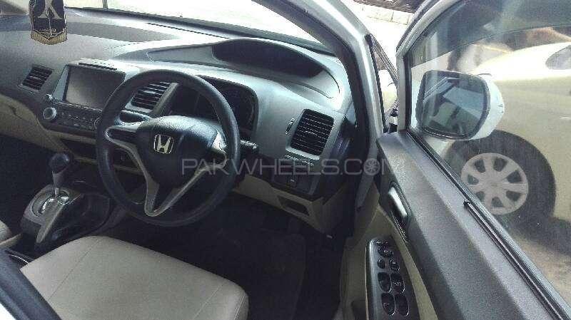 Honda Civic VTi Prosmatec 1.8 i-VTEC 2010 Image-2