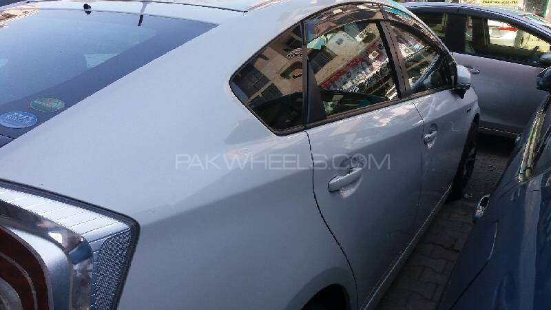 Toyota Prius S Touring Selection GS 1.8 2012 Image-5