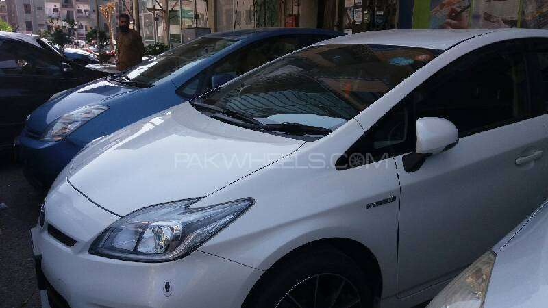 Toyota Prius S Touring Selection GS 1.8 2012 Image-9