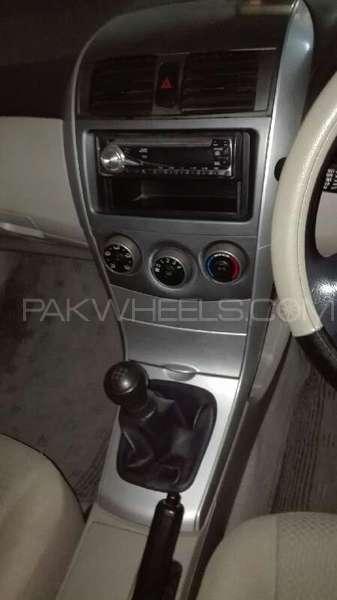 Toyota Corolla XLi VVTi 2011 Image-10