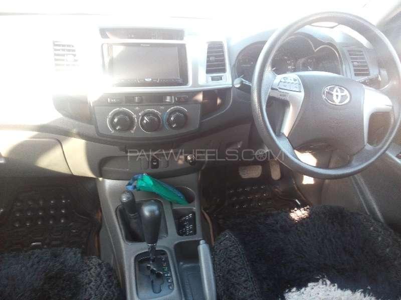 Toyota Hilux D-4D 2012 Image-7