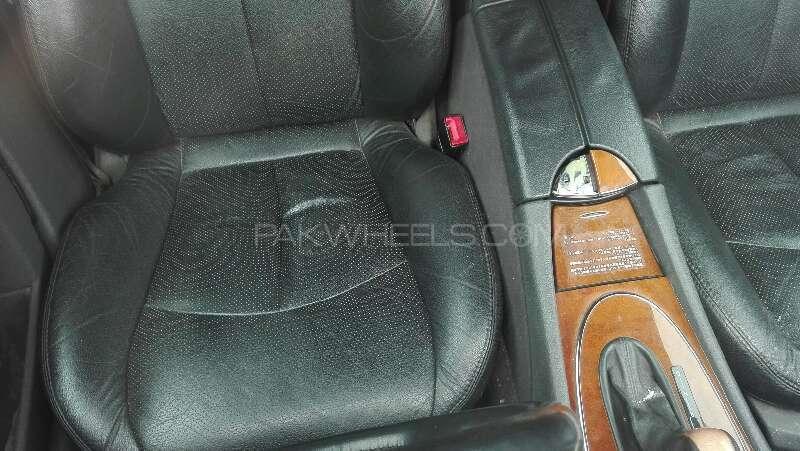 Mercedes Benz E Class E240 2006 Image-9