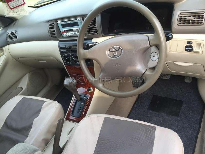 Toyota Corolla SE Saloon Automatic 2004 Image-11