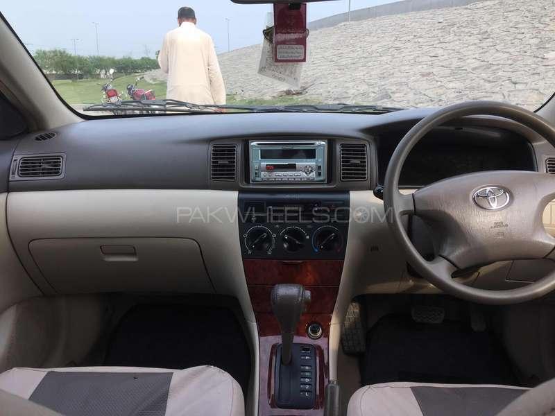Toyota Corolla SE Saloon Automatic 2004 Image-12