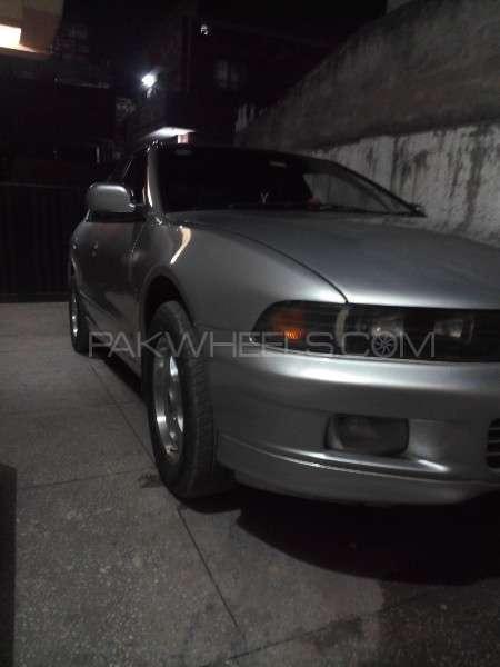 Mitsubishi Galant 1.8 VX 1999 Image-2