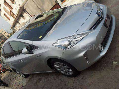 Toyota Prius S Touring Selection 1.8 2012 Image-2