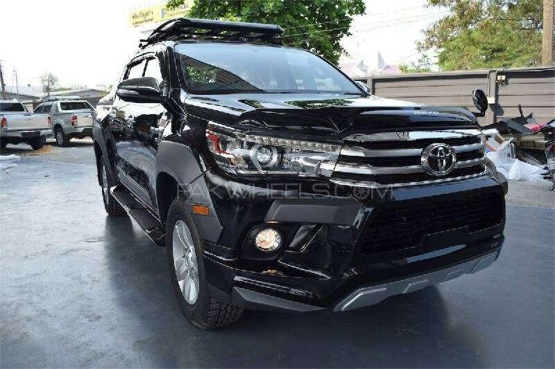 2016 Toyota Hilux Revo revealed in leaked brochure! Image 341315
