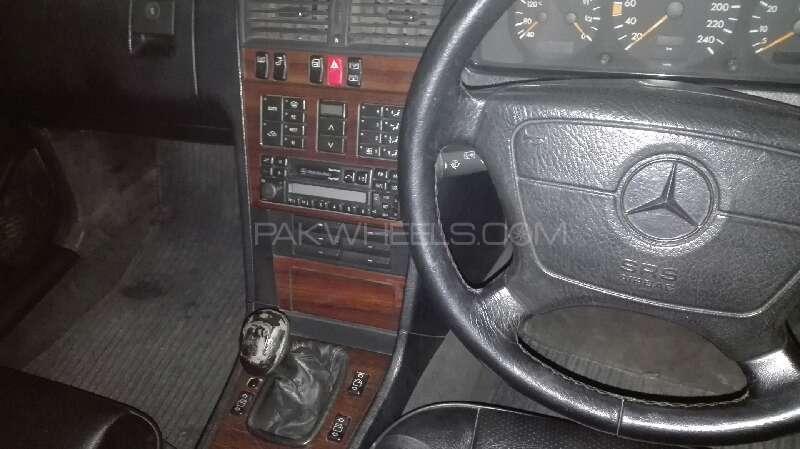 Mercedes Benz C Class C180 1994 Image-9