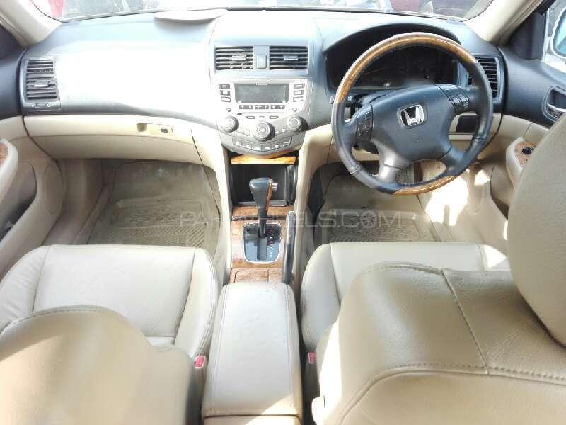 Honda Accord VTi 2.4 2006 Image-13
