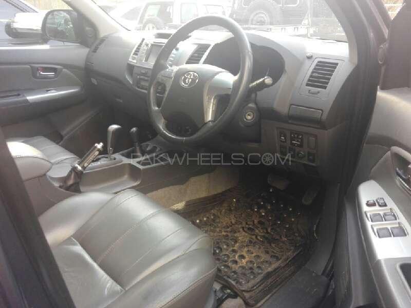 Toyota Hilux Vigo G 2011 Image-4