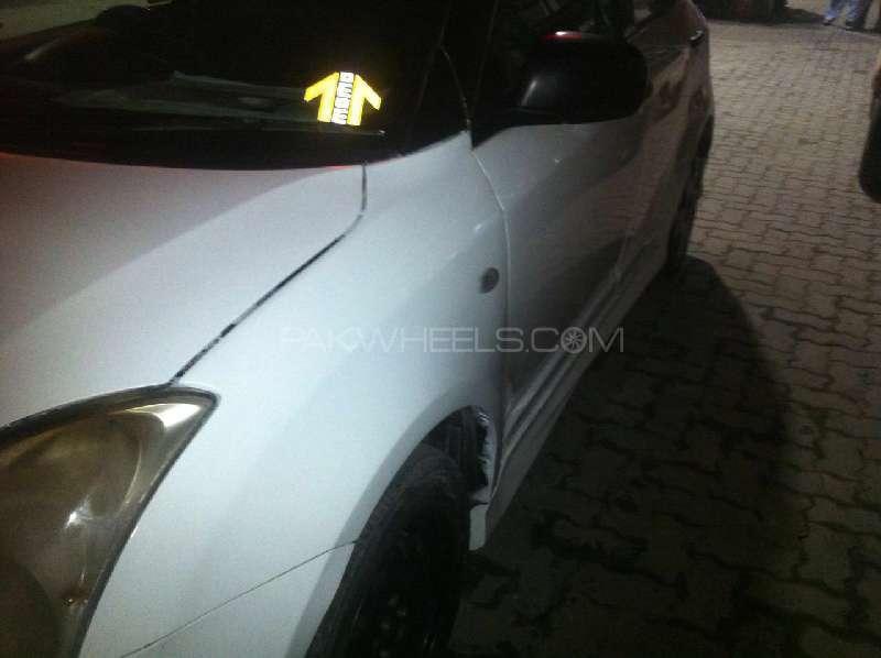 Suzuki Swift DX 1.3 2012 Image-9
