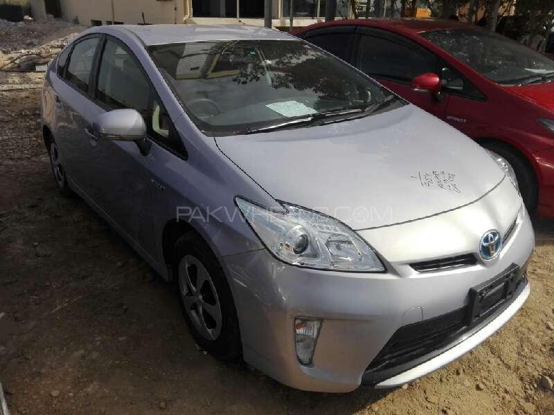 Toyota Prius G 1.8 2013 Image-2