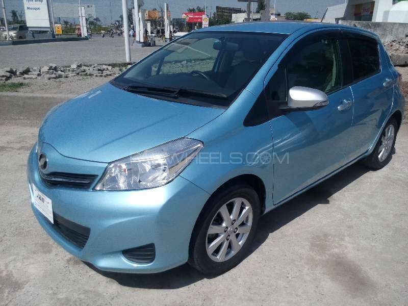 Toyota Vitz Jewela 1.0 2012 Image-3
