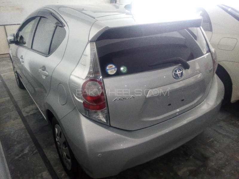 Toyota Aqua G 2012 Image-4