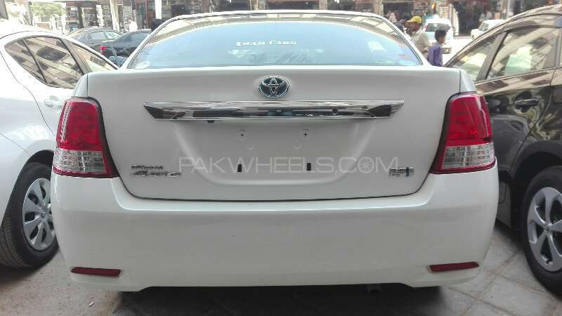 Toyota Corolla Axio X 1.3 2012 Image-7