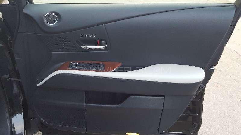 Lexus RX Series 450H 2011 Image-8
