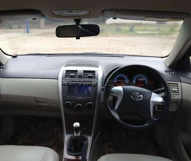 Toyota Corolla Altis 1.6 2012 Image-3