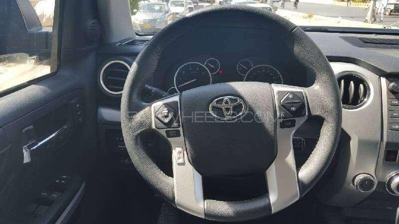 Toyota Tundra 5.7i 2015 Image-4