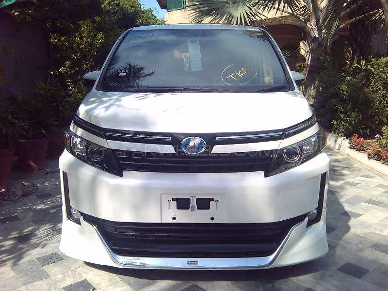 Toyota Voxy V 2014 Image-14