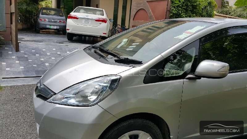 Honda Fit Hybrid Navi Premium Selection 2011 Image-1