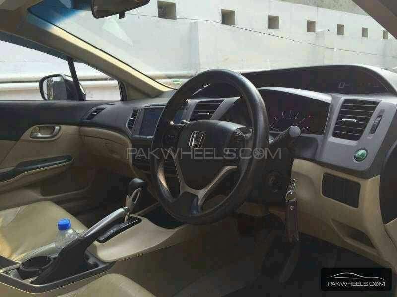 Honda Civic VTi Oriel Prosmatec 1.8 i-VTEC 2012 Image-5