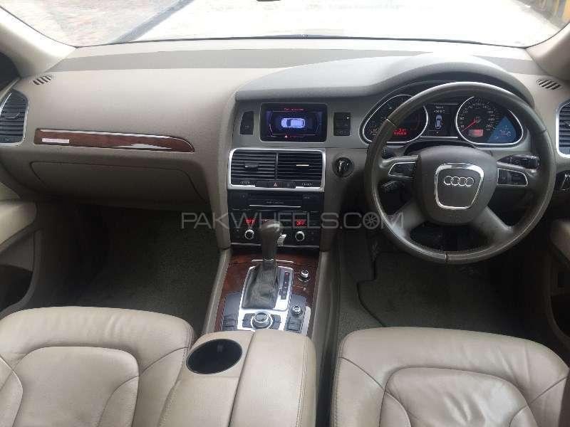 Audi Q7 3.0 TDI 2011 Image-6
